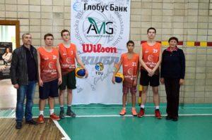 Під час ігор змагань по баскетболу 3x3 учнів Дніпровського району
