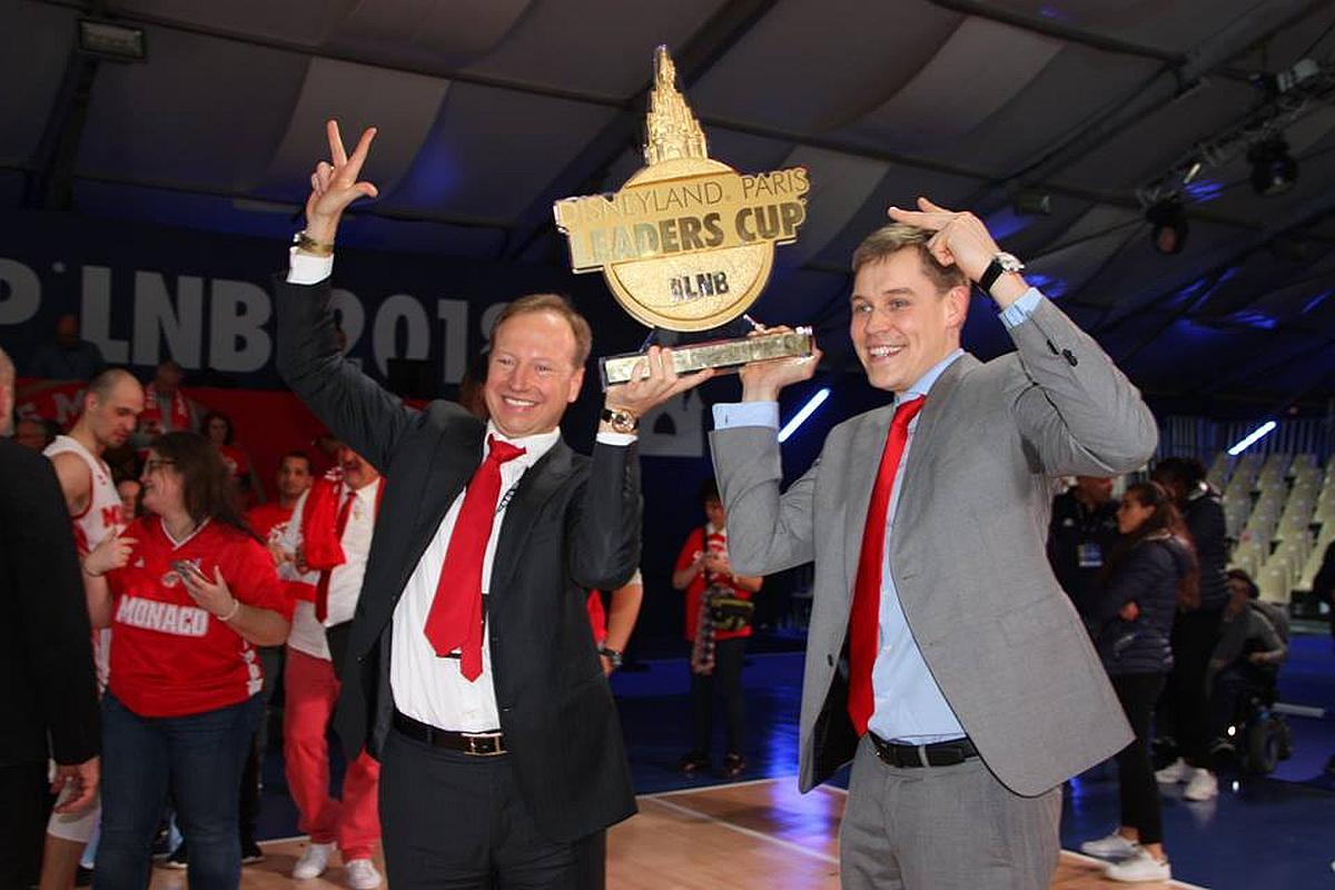 """Олексій Єфімов (на фото справа) - генеральний менеджер команди """"A. S. Monaco Basket"""""""